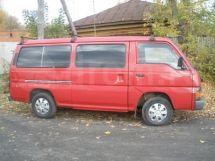 Nissan Urvan, 1990