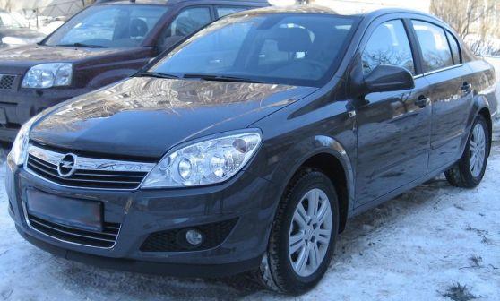 Opel Astra 2009 - отзыв владельца