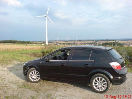 Opel Astra 2004 - отзыв владельца