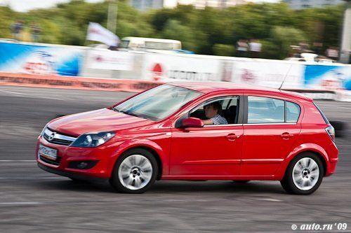 Opel Astra 2007 - отзыв владельца