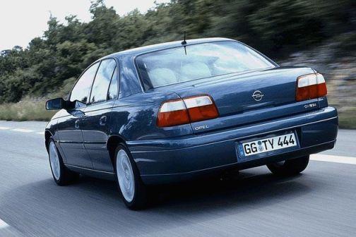 Opel Omega 2000 - отзыв владельца