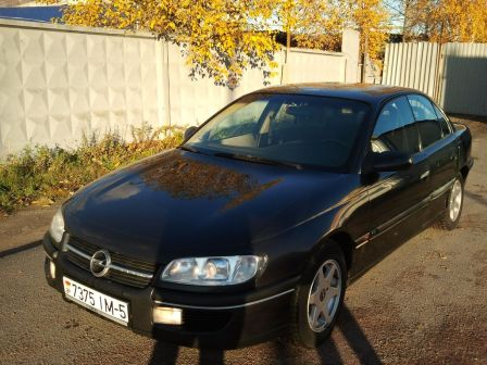 Opel Omega 1996 - отзыв владельца