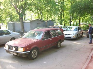 Opel Rekord, 1980