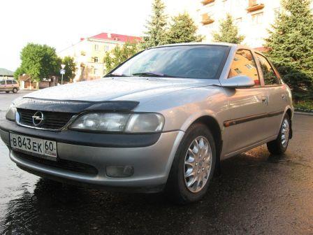 Opel Vectra 2010 - отзыв владельца