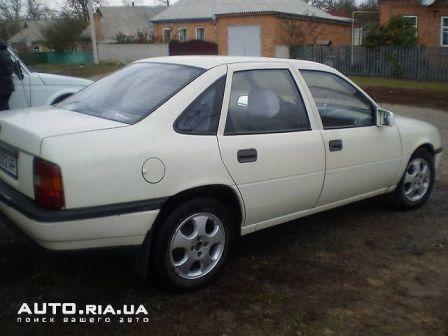 Opel Vectra 1989 - отзыв владельца