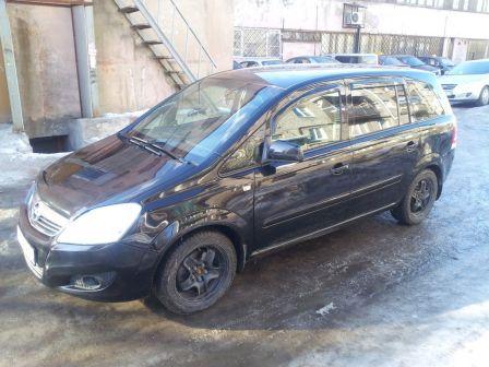 Opel Zafira 2010 - отзыв владельца