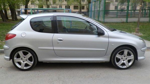 Peugeot 206 2003 - отзыв владельца