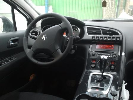 Peugeot 3008 2010 - отзыв владельца