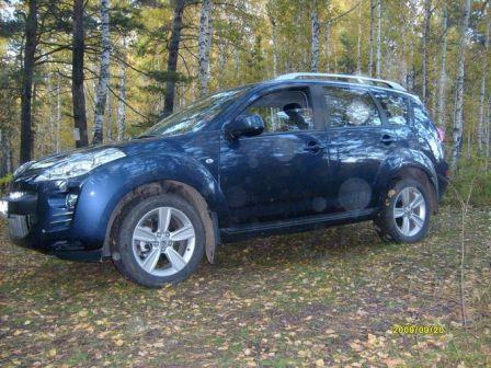 Peugeot 4007 2009 - отзыв владельца