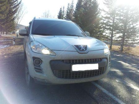 Peugeot 4007 2011 - отзыв владельца
