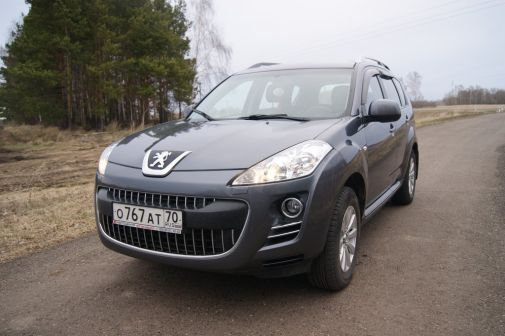 Peugeot 4007 2008 - отзыв владельца
