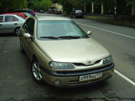 Renault Laguna 2000 - отзыв владельца