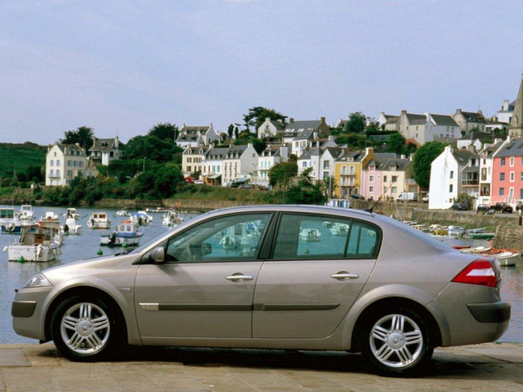 renault megane hatchback отзывы владельцев