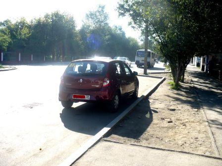 Renault Sandero 2011 - отзыв владельца