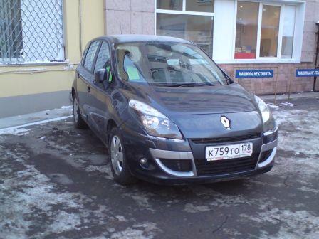 Renault Scenic 2011 - отзыв владельца