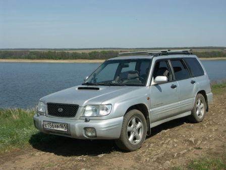 Subaru Forester 2001 - отзыв владельца