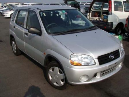 Suzuki Swift 2002 - отзыв владельца