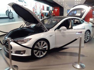 Tesla Model S 2013 отзыв автора | Дата публикации 19.01.2013.