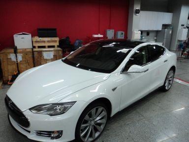 Tesla Model S 2013 отзыв автора | Дата публикации 14.03.2013.