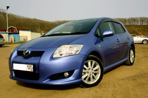 Toyota Auris 2006 - отзыв владельца