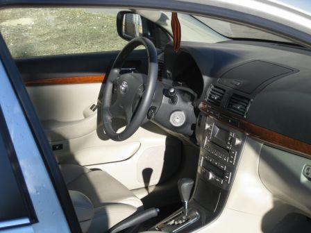 Toyota Avensis 2008 - отзыв владельца