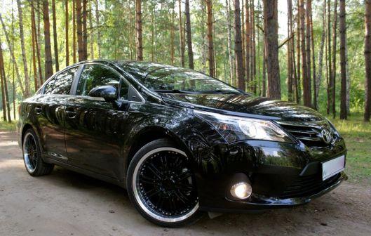 Toyota Avensis 2012 - отзыв владельца