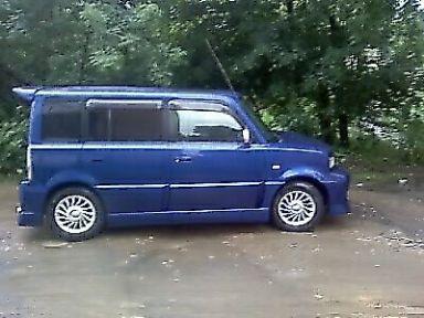 Toyota bB, 2001