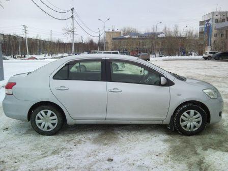 Toyota Belta 2005 - отзыв владельца