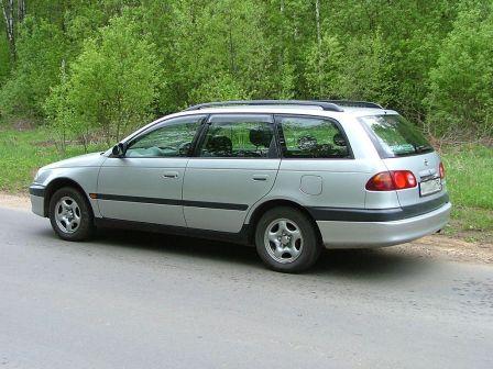 Toyota Caldina 1999 - отзыв владельца