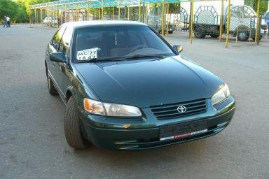 Toyota Camry, 1999