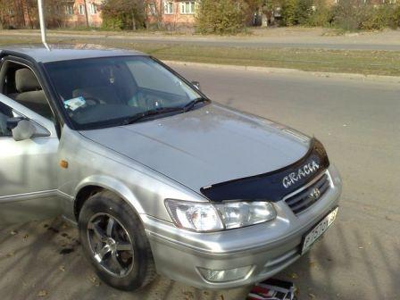 Toyota Camry 2000 - отзыв владельца