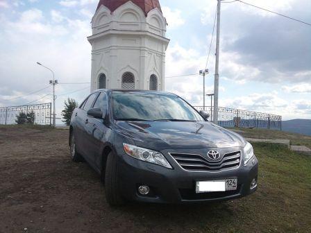 Toyota Camry 2010 - отзыв владельца