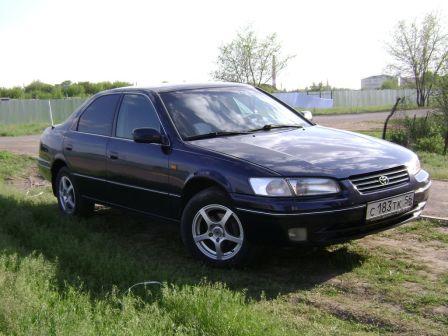Toyota Camry 1999 - отзыв владельца