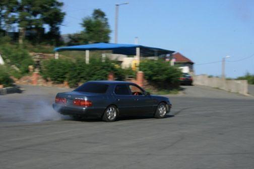 Toyota Celsior 1994 - отзыв владельца