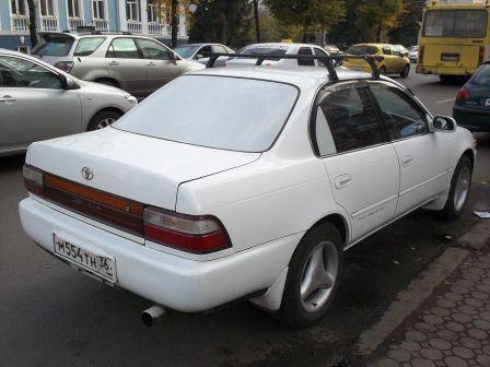 Toyota Corolla 1994 - отзыв владельца
