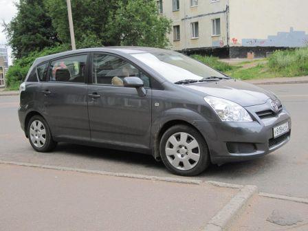 Toyota Corolla Verso 2008 - отзыв владельца