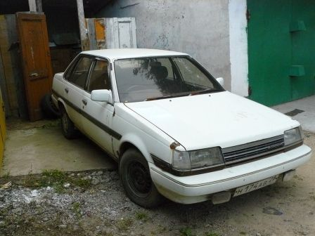 Toyota Corona 1986 - отзыв владельца