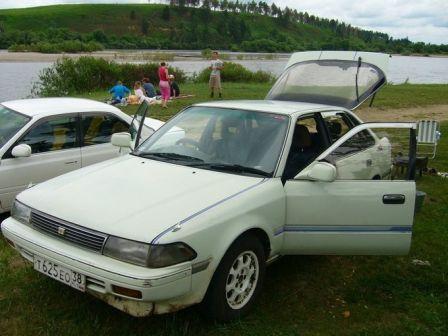 Toyota Corona SF 1990 - отзыв владельца