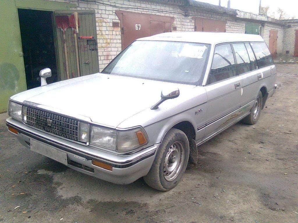тойота краун 1988