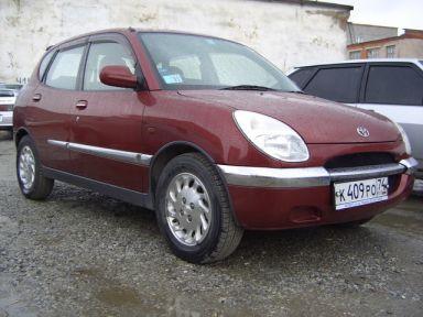 Toyota Duet, 1998