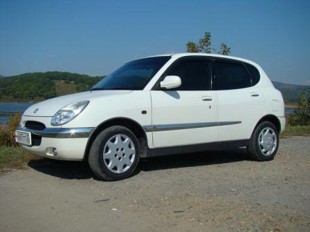 Toyota Duet 1999 - отзыв владельца