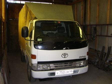 Toyota Dyna 1995 - отзыв владельца