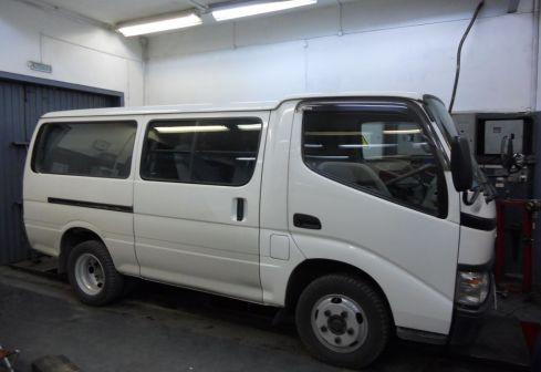 Toyota Dyna 2003 - отзыв владельца