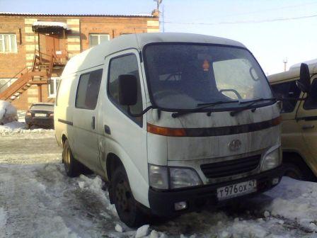 Toyota Dyna 2002 - отзыв владельца