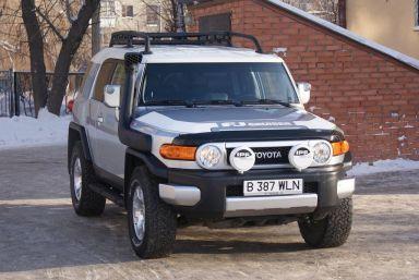 Toyota FJ Cruiser 2007 отзыв автора | Дата публикации 01.03.2011.