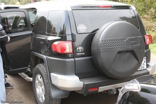 Toyota FJ Cruiser 2010 - отзыв владельца