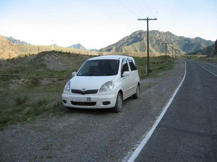 Toyota Funcargo 2003 - отзыв владельца