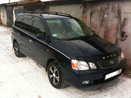 Toyota Gaia 2003 - отзыв владельца