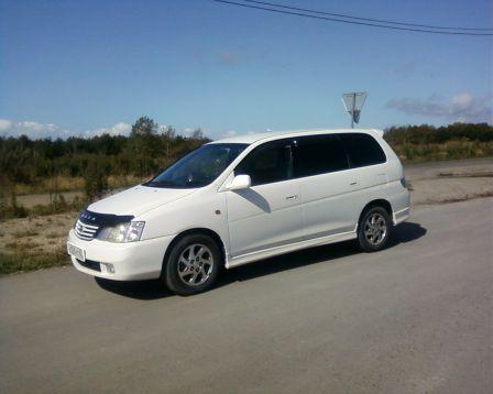 Toyota Gaia 2002 - отзыв владельца