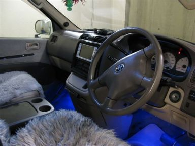 Toyota Grand Hiace, 2000